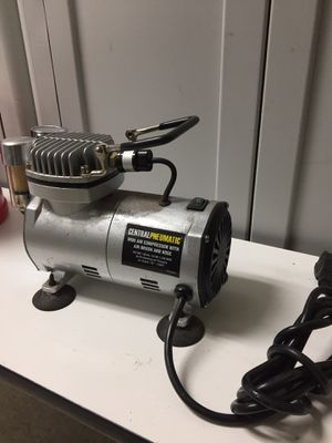 Central Pneumatic mini air compressor for Sale in Los Angeles, CA