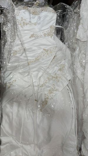 Wedding dresses brand new for Sale in Chicago, IL