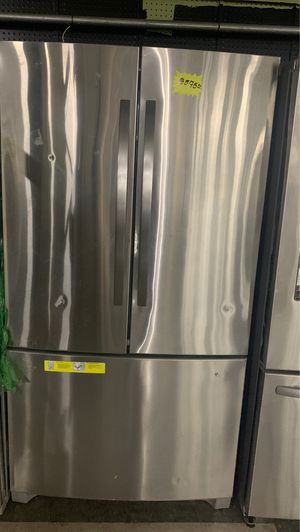 KENMORE FRENCH DOORS STAINLESS STEEL REFRIGERATOR IN EXCELLENT CONDITION for Sale in Elkridge, MD