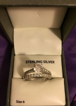 Sterling silver wedding band set paid $100.00 only want $15.00 for Sale in Waynesboro, VA