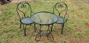 Iron patio set for Sale in Cary, NC