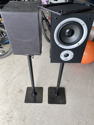 Polk Audio R150 Speakers with Stand! for Sale in Bothell, WA