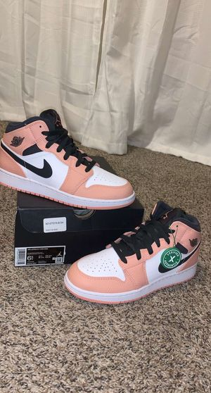 Pink Jordan 1 mids for Sale in Keizer, OR