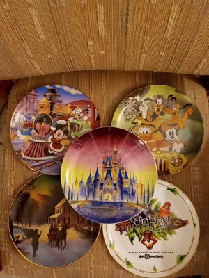 Walt Disney World 5 piece plate set and Tokyo grand opening medal for Sale in INDIAN RK BCH, FL