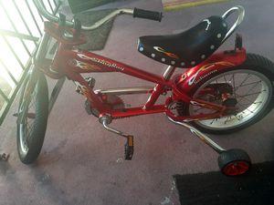 Shwinn stingray chopper kids bike like new good condición 18inche $125 for Sale in Las Vegas, NV