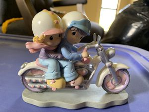 Precious Moments statue - two hearts two wheels for Sale in Alvin, TX