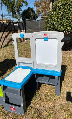Kids desk for Sale in Pomona, CA