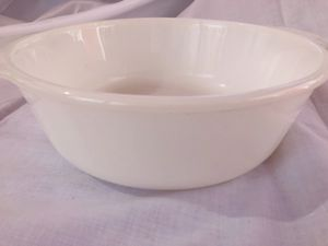 Antique fire king deep dish bowl 1 1/2 qt NO CHIPS for Sale in South Bend, IN