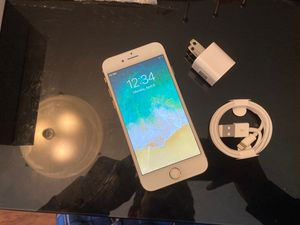 iPhone 8 64gb unlocked mint conditions for Sale in Orlando, FL