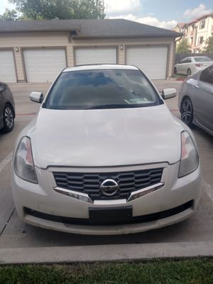,2008 Nissan Altima coupe for Sale in Houston, TX