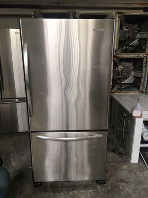 Refrigerator brand kitchen Aid everything is good working condition 90 days warranty delivery and installation for Sale in San Leandro, CA