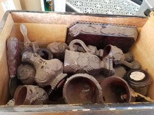 Dusty wine set for Sale in Moreno Valley, CA