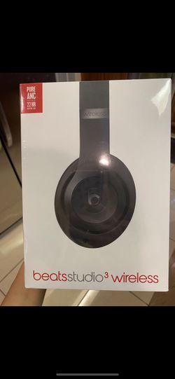 Beats Studio 3 wireless noise cancelling headphones for Sale in San Antonio,  TX