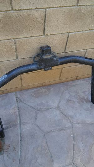 Heavy duty tow hitch. Good condition. for Sale in Fontana, CA