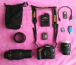 Nikon D7000 16.2 MP DSLR Camera 18-55mm & 55-300mm Bundle. for Sale in Altamonte Springs, FL