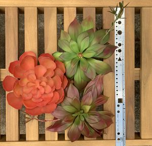 """Extra Large 10"""" Assorted Artificial Succulents (Package of 3 pieces) for Sale in Marietta, GA"""