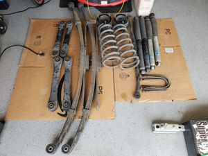Dodge Ram 2500 4WD suspension parts for Sale in Lake Elsinore, CA