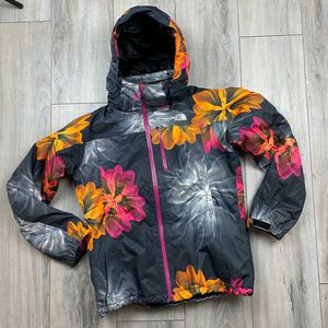 North Face Hyvent insulated ski jacket* women's medium* great shape Hood* powder skirt* insulated* waterproof for Sale in Spokane, WA