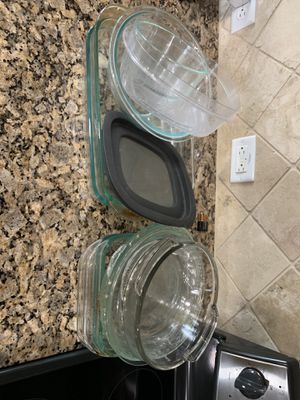 Pyrex baking dishes for Sale in San Antonio, TX