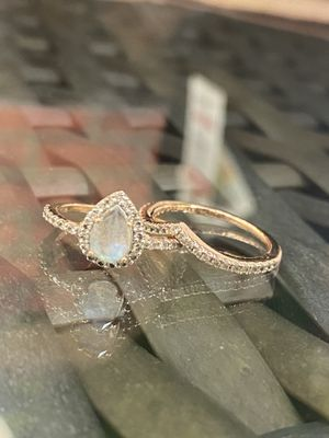 Engagement/wedding ring set for Sale in Round Rock, TX