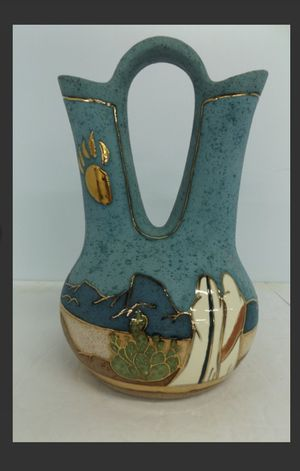 Native Indian Wedding Vase for Sale in Stagecoach, TX