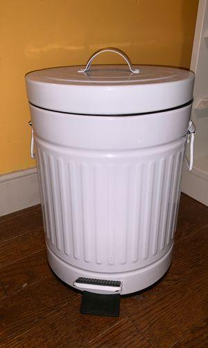 Vintage trash can for Sale in Glen Allen, VA