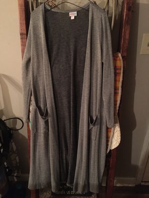 LuLaRoe Duster Topper - Small for Sale in Richmond, KY