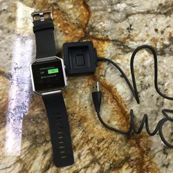 Fitbit FB502 with Watch Band and Charger for Sale in Ontario,  CA