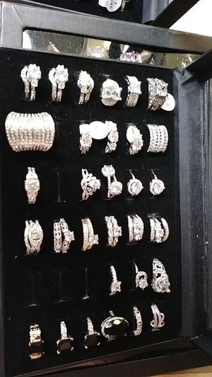 Brand new never used never worn Cubic Zirconia for Sale in Fresno, CA