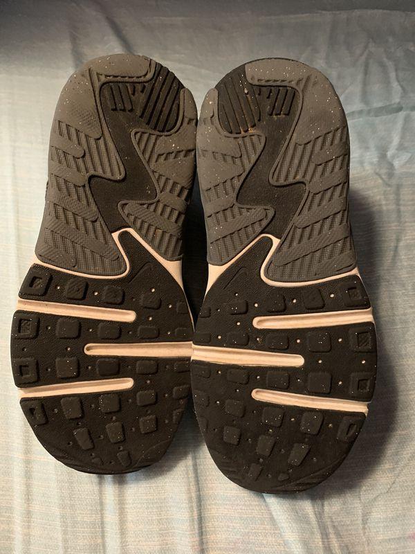 Boys Size 12.5 Nike Shoes