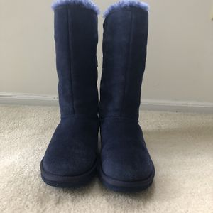 Ugg Blue Boots W/bows for Sale in Beachwood, NJ