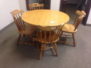 Wood Table and 5 chairs for Sale in Caledonia, MI
