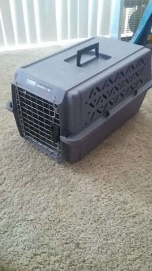 Petmate Cat /Small Dog Carrier Kennel for Sale in Alexandria, VA