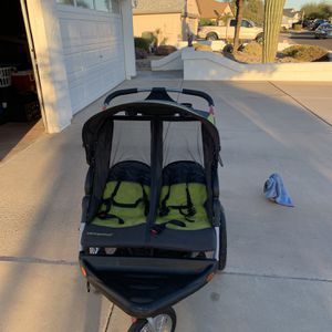 Expedition Baby Trend for Sale in Glendale, AZ