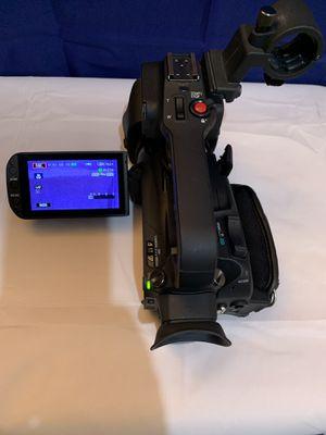 Camara de fotos y video canon xa20 $500 for Sale in Daly City, CA