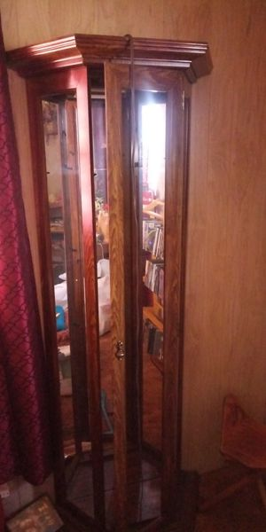 Wood and glass cabinet for Sale in Victorville, CA