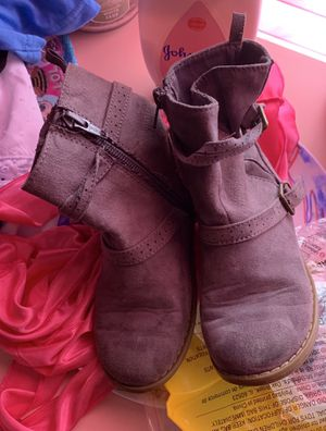 Grey Girls Boots 10c $5 for Sale in Canal Winchester, OH