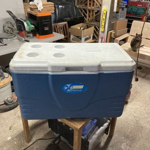 Coleman Extreme Cooler 62 Quart for Sale in Issaquah, WA