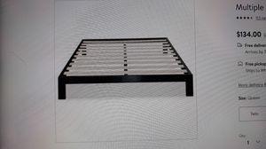 Zinus Arnav Queen platform Bed frame for Sale in Columbus, OH