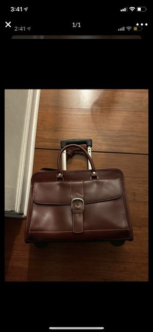 franklin covey travel luggage in red$30 for Sale in Chicago, IL