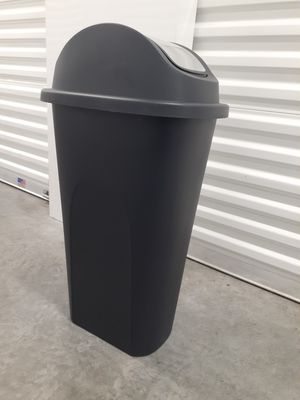 """Large 11 Gallon Kitchen Trashcan with Strainless Steel Swinging Top - 15"""" Wide x 11"""" Deep x 29"""" Tall for Sale in Fort Lauderdale, FL"""