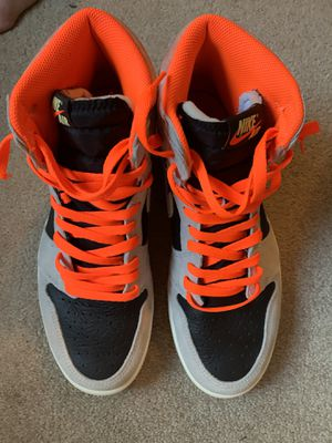 Jordan 1 high Neutral Gray Hyper Crimson size 10.5 OG all. In amazing condition only worn 2 times! for Sale in Orion charter Township, MI