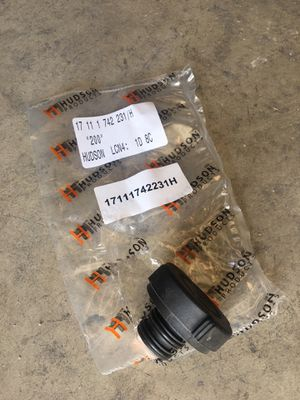 BMW E24 E28 E30 E34 E36 E38 E39 X5 X3 Z3 Z4 radiator cap OEM NEW for Sale in San Diego, CA
