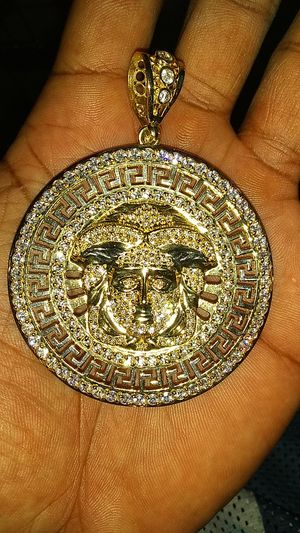 10k big madusa charm for Sale in Kissimmee, FL
