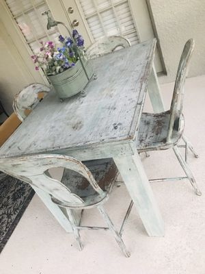 Vintage shabby chic table for Sale in St. Cloud, FL
