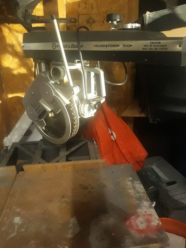 Dewalt/Black & Decker Radial Arm Saw