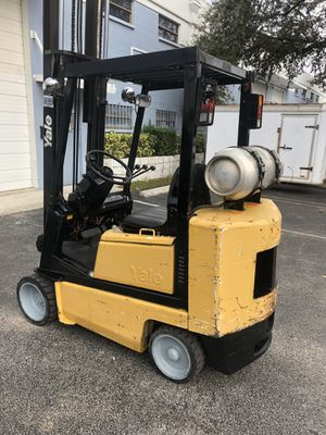 FORKLIFT YALE 5000 lbs for Sale in Miami, FL