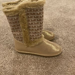 Girl Boots Sz 5 Michael Kors for Sale in Bolingbrook, IL