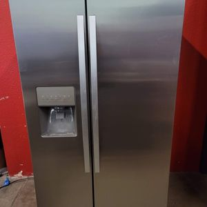 Whirlpool Stainless steel Fridge Good Working Condition for Sale in Wheat Ridge, CO