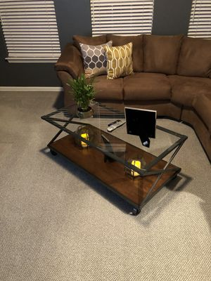 Sectional couch, end table, and coffee table for Sale in Pompton Lakes, NJ